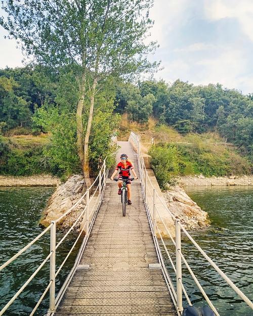 Mendialdiak_Mountain_Bike_pantano_Vitoria_Gasteiz_opt